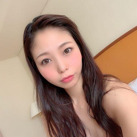 Jin Yuki Photos