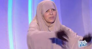 """بالفيديو/ في برنامج مع علاء : """"لو الله سبحانه أمرني بش نسجد لغيره … نسجد لراجلي"""""""