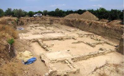 Scavi nel sito di Helike. In questo caso, un edificio di epoca ellenistica; forse usato come un colorante.