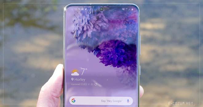 Samsung Galaxy S20 ön kamera
