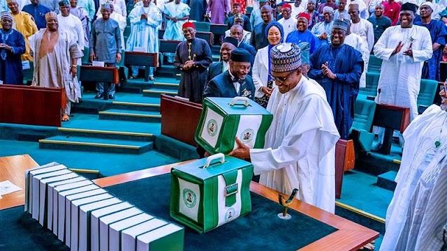 Nigerian president offers record $34bn spending plan for 2020