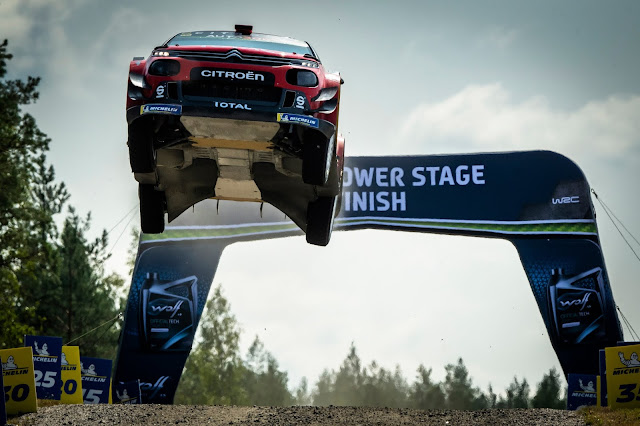 Citroen World Rally Car Jumping Yump