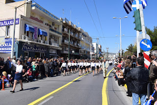 Μ ε επιτυχία πραγματοποιήθηκαν οι εορταστικές εκδηλώσεις της 25ης Μαρτίου στο Περιστέρι