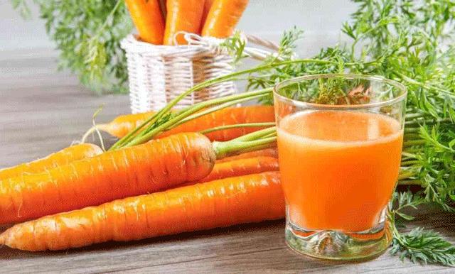 củ cải đỏ hay còn gọi là củ cà rốt