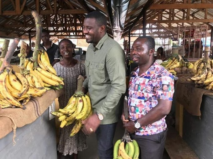 John Dumelo starts campaign for 2020 elections with a market visit