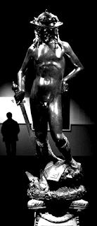 Cazzo, è quasi più bello il mio fotoritocco che non l'originale della foto del David di Donatello che trovate alla pagina vichipedia che ho per voi LINKATO all'URL abbreviato http://bit.ly/donatellodisperma