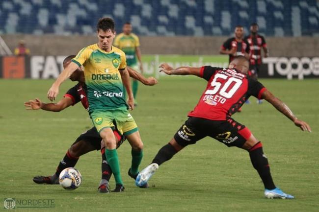 Vitória se impõe bate Cuiabá