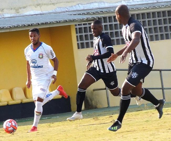 Atacante Curraisnovense Alvinho tem sua primeira chance como titular do São Caetano