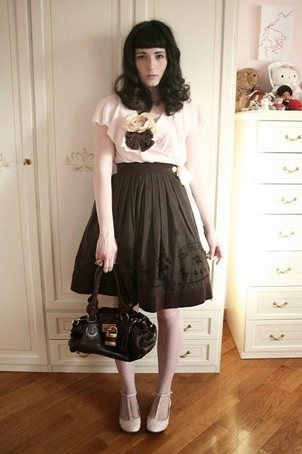 5769bbce Genial ejemplo de un outfit Casual precioso y muy chic (Click para ampliar)
