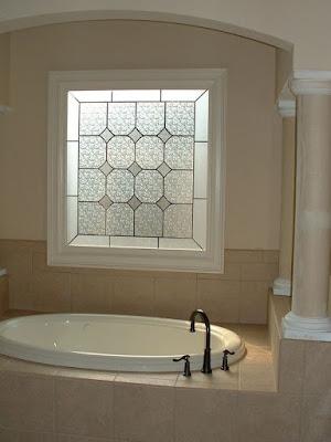 5 Desain Kaca Hias Jendela Rumah Minimalis, Intip Yuk!