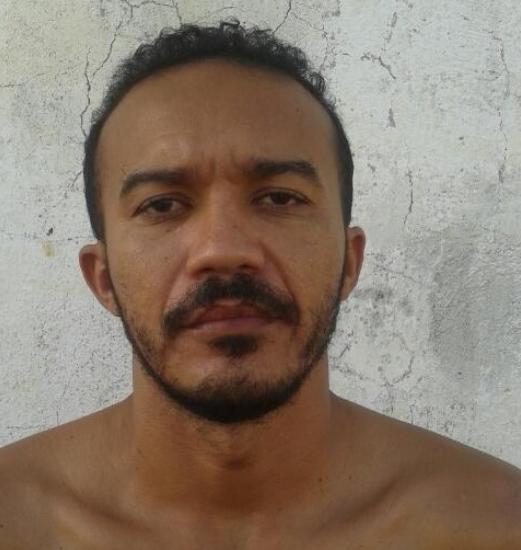 Polícia Militar entra em confronto com assaltantes em Governador Dix Sept Rosado. Um elemento morto, dois presos e arma apreendida