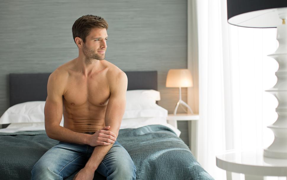 Egy közelmúltbeli közvélemény kutatás szerint a férfiak 16%-a rendszeresen  borotválja mellkasát 92dd50493b