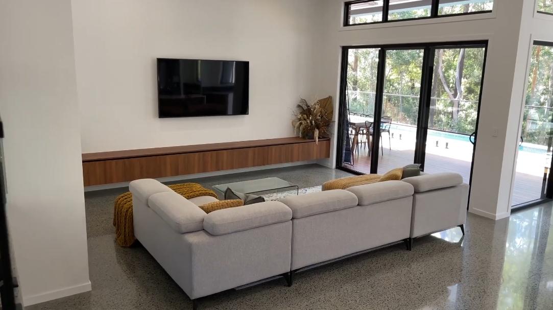 33 Interior Design Photos vs. Tour 15 Mary Bale Dr, Tallebudgera Luxury Home