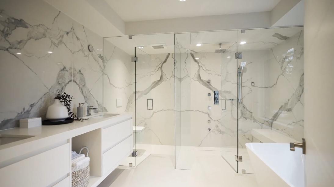 39 Interior Design Photos vs. 2710 Crescentview Dr, North Vancouver Luxury Home Tour