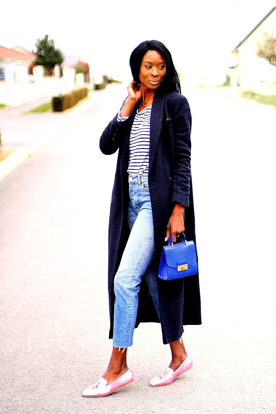 high-waist-jeans-long-coat-loafers-trend