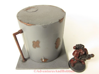 Miniature 25-28mm scale rusted vertical storage tank T577 - top view - UniversalTerrain.com