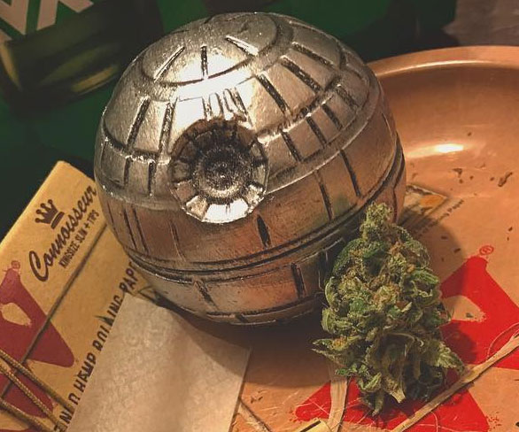 Break up your dank buds in true Imperial fashion by sticking them inside this Death Star weed grinder. Crafted from zinc alloy and aluminum, this small yet tough 3-piece Death Star comes with a kief catcher, and a magnetized top to ensure no plant material falls out.