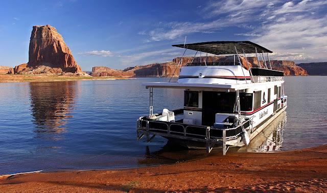 Lake Powell boat