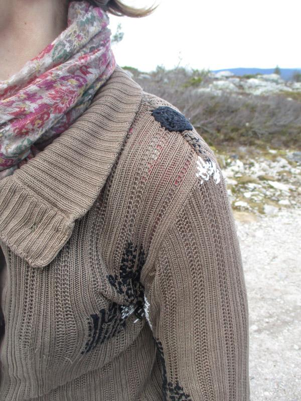 Ikuisen neuletakin olkapään ja kainalon korjaukset