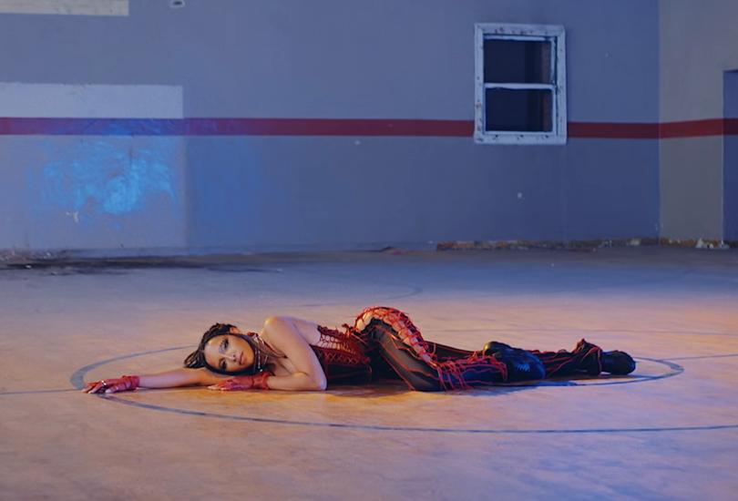"Tinashe shows us pussyrobics in ""Bouncin"" | Random J Pop"