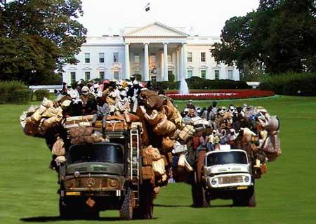 Clinton Leaving The White House