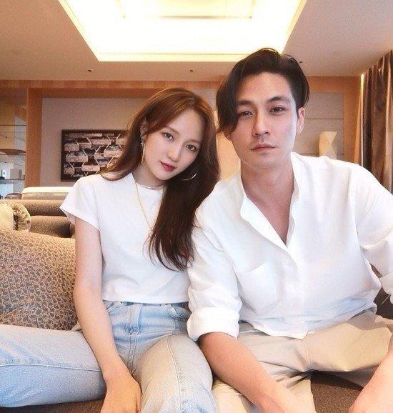 Jia, Singapurlu chaebol sevgilisi Elroy Cheo ile fotoğraf paylaştı