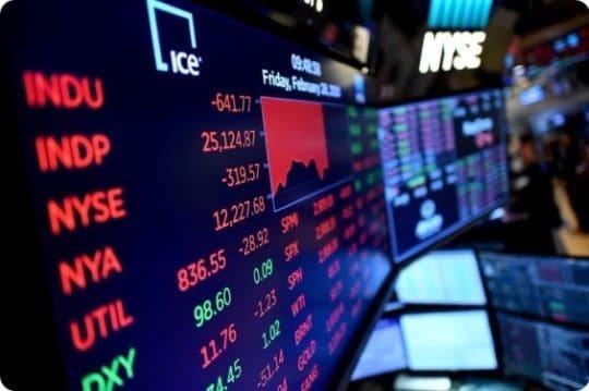 سوق الأسهم يجتذب رؤوس الأموال