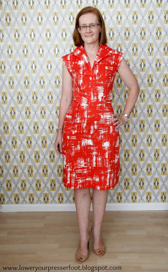 vintage Butterick 6473 red white graphic print wiggle dress www.loweryourpresserfoot.blogspot.com
