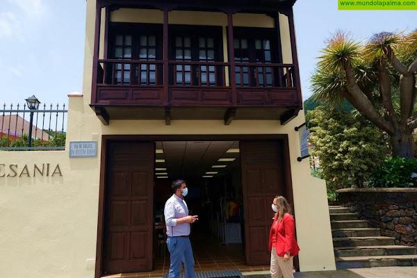 El Cabildo repondrá el balcón de la Escuela Insular de Artesanía