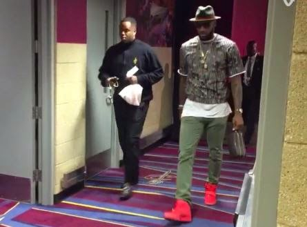 THE SNEAKER ADDICT: LeBron James Wearing 'Red October ...