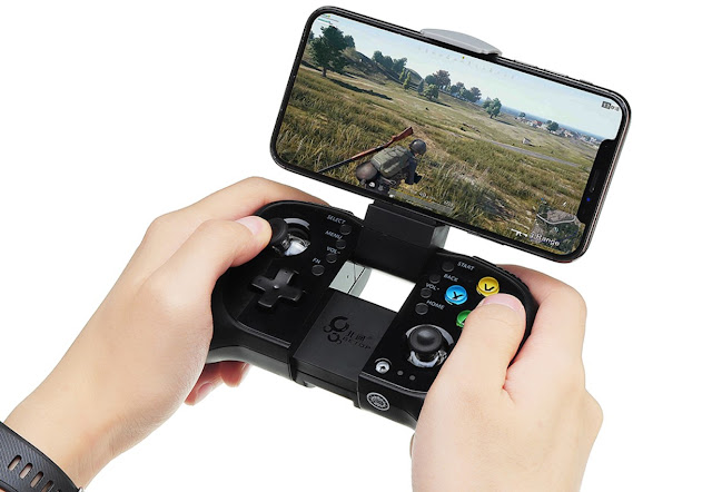 Mobile Game    A video game controller (gamepad in English) is an input device used to interact with a video game either on a console, or on a computer. The command allows you to move and interact with the elements of the game to perform the various actions necessary to meet the objectives that can be seen through a screen or television.