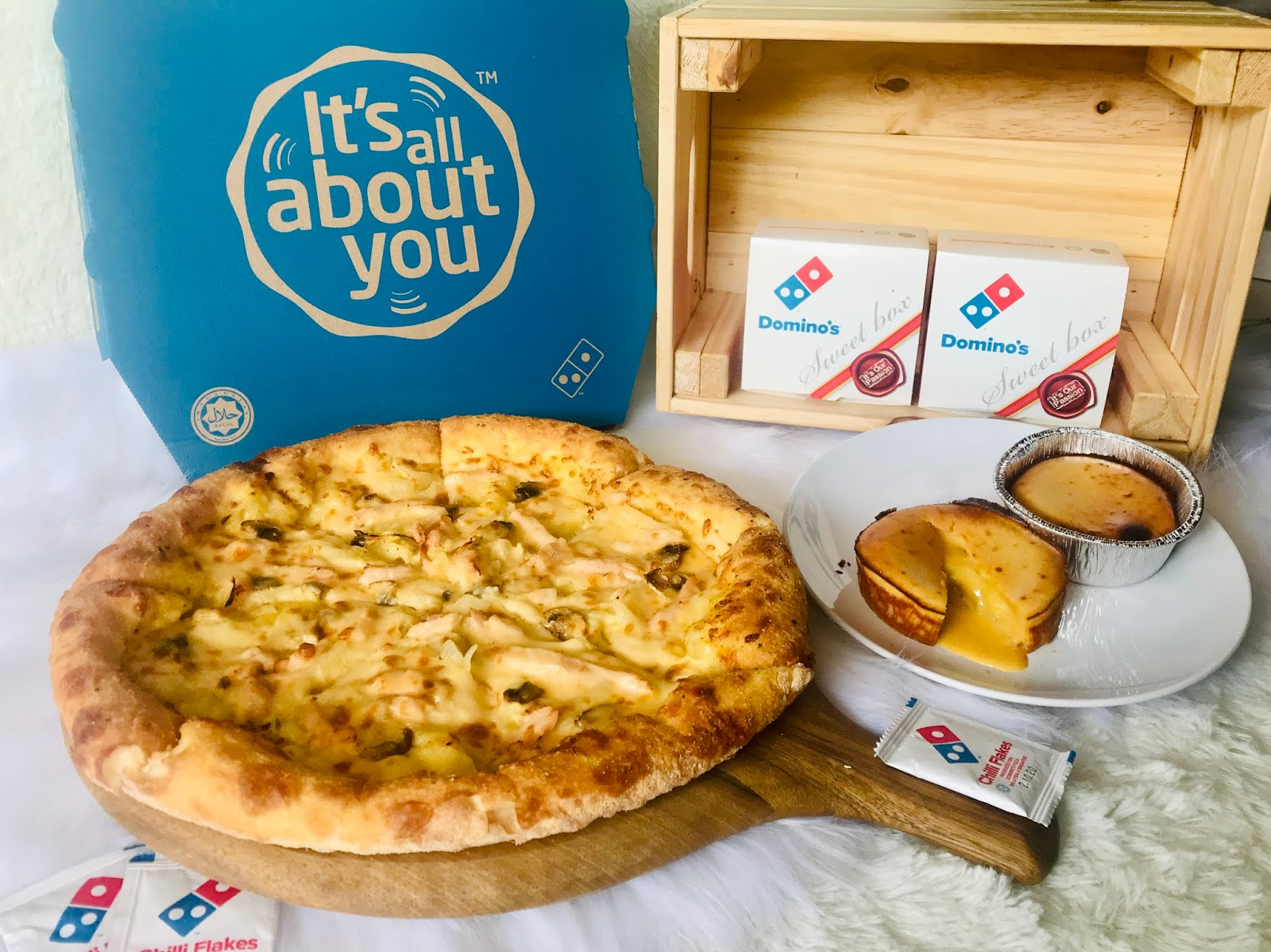 [Review] Domino's Unveils Queen of Lava Cakes with the King of Fruits - Durian Lave Cake
