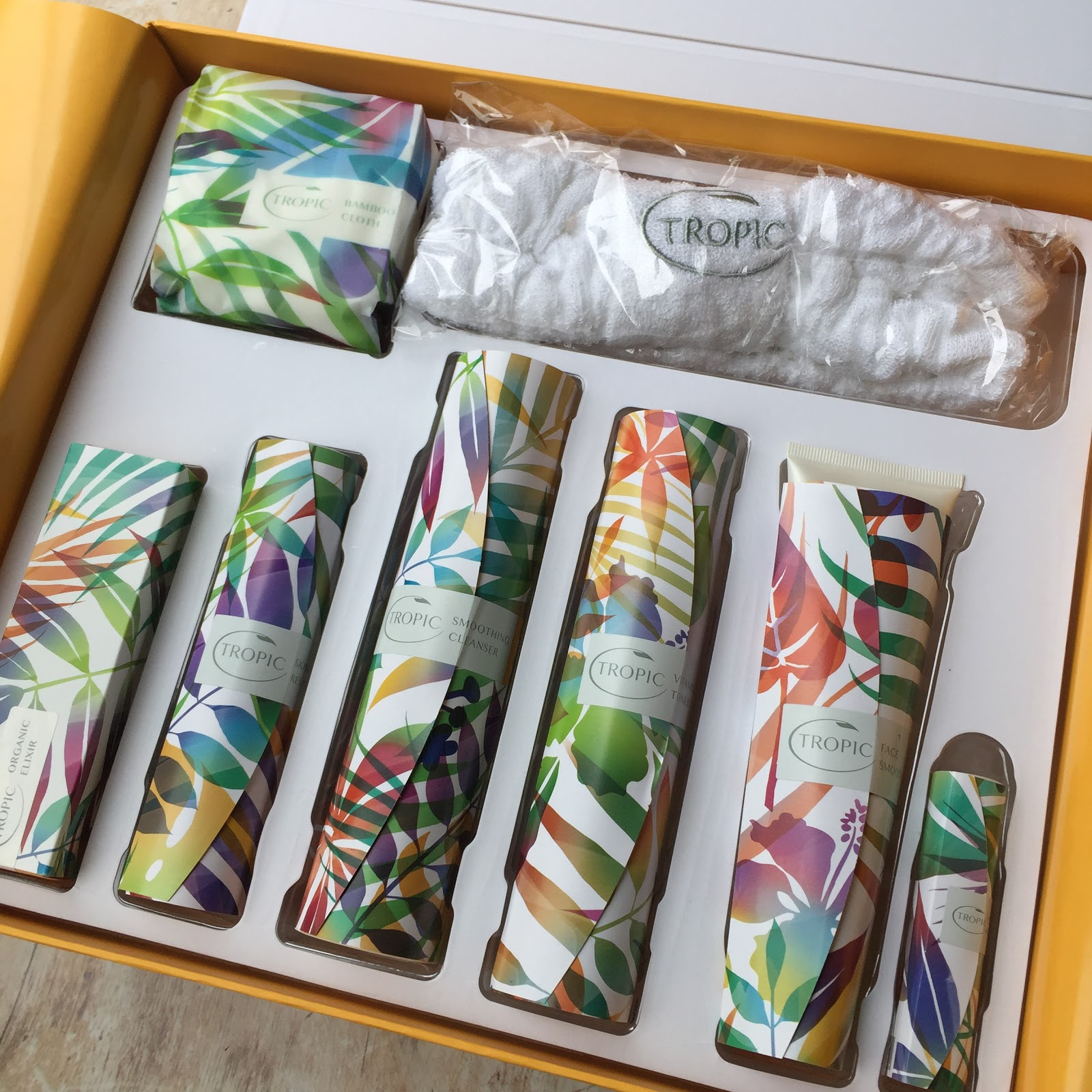 Mrs Bishop S Bakes And Banter Tropic Skincare Deluxe Skincare Collection Review