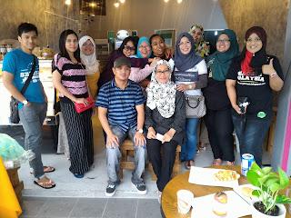 Kafeteria Aunty Tartlets, Qiya, Qiya Saad