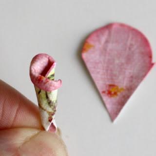 Декор скрапбукинг: прелестная рамка для фото с бумажными розами