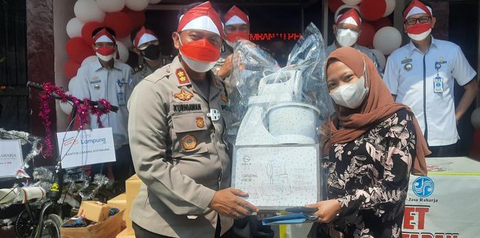 Meriah HUT ke76 RI, Samsat Lampra Bagi-bagi Ratusan Doorprize