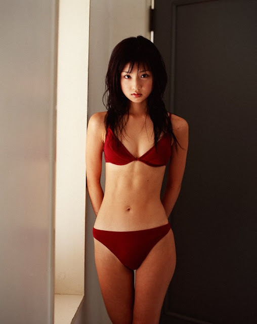 hot-Asian-girl-bikini-hd