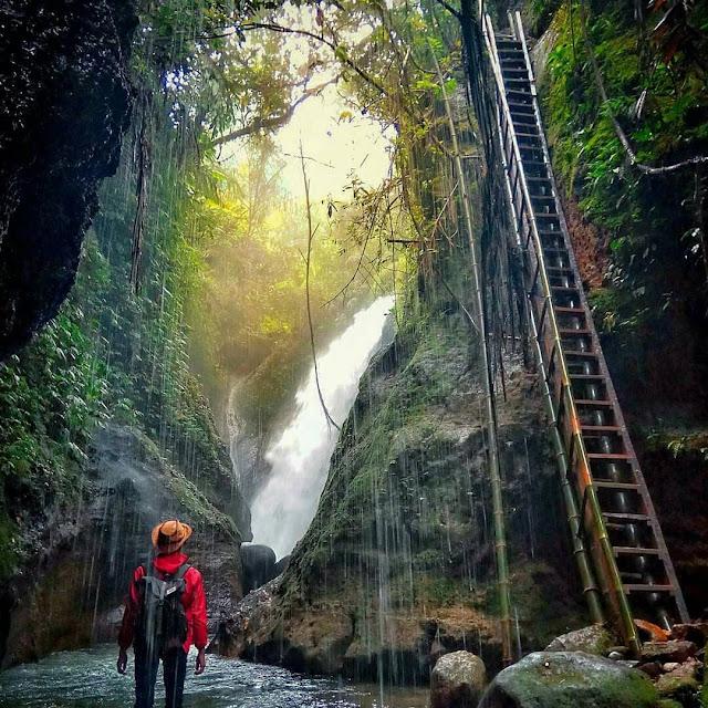 Tiket Masuk dan Alamat Curug Kiara Gunung Menir Bogor