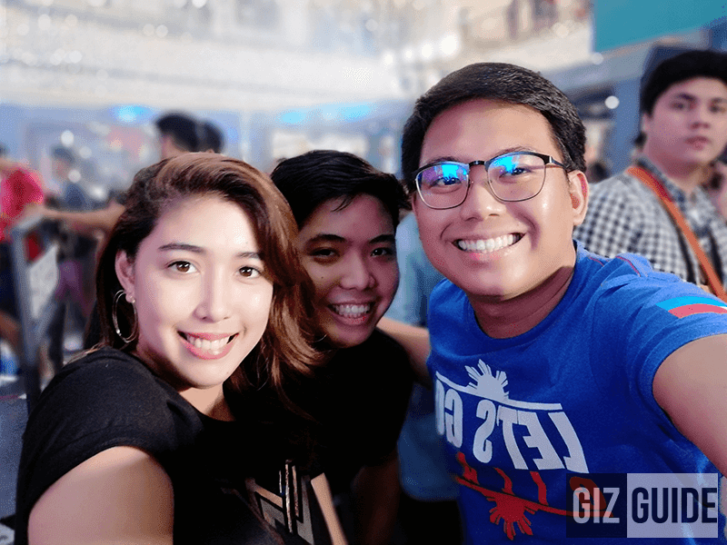 Groufie w/ portrait bokeh