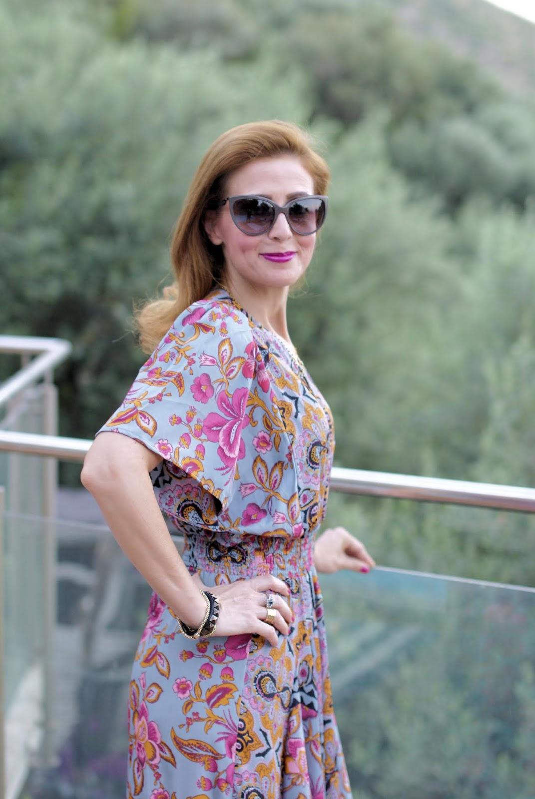Bohemian Paisley dress on Fashion and Cookies fashion blog, fashion blogger style