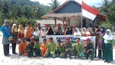 Prajurit Batalyon Infanteri 9 Marinir Bersama Aksi Cepat Tanggap (ACT) Lampung dan SP3T Gelar Dapur Qur'ban di Pulau Tegal