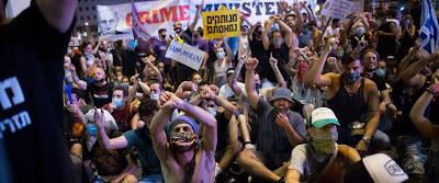 """Csatatér a Rabin téren • Polgárháborús hangulat • Tiltakozik a privát szféra: """"Elfogyott a levegő!"""""""