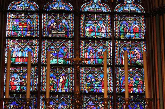Notre-Dame Paris glass