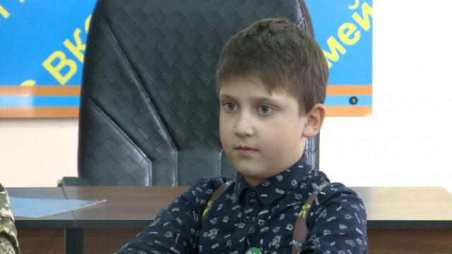 8-летний Витя спас малыша тонущего в болоте