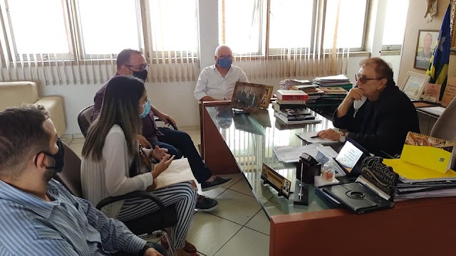Mão Santa recebe representantes da Universidade CEUMA, do Maranhão