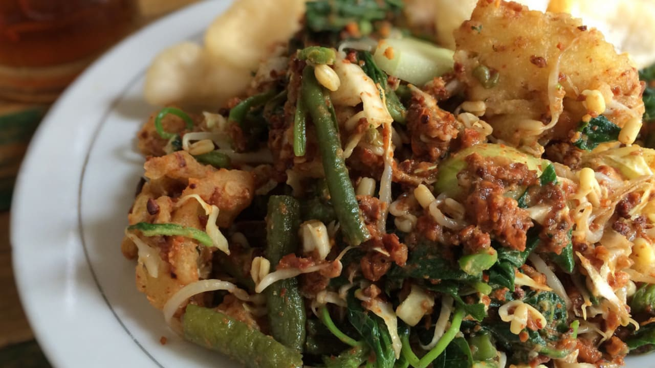 Karedok, Salad Sayur Asli Tanah Pasundan yang Segar dan Nikmat, Ini Resepnya