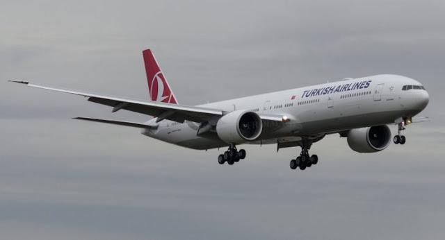 """Aparece red WiFi llamada """"Bomba a Bordo"""" en un avión"""