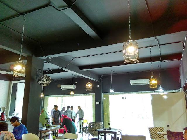 Tea box cafe