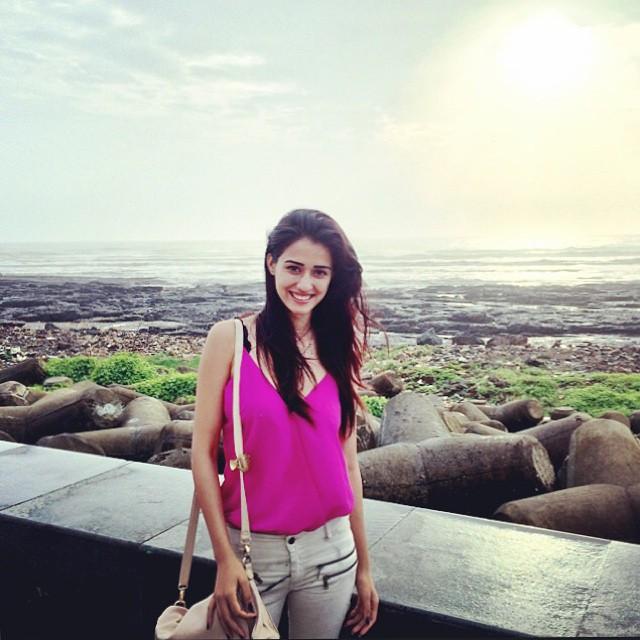 Befikre Song Girl Disha Patni Wiki Imaages & HD Wallpapers