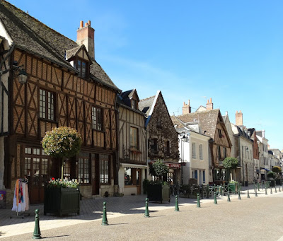 half-timbered houses on Place Michel Debré in Amboise